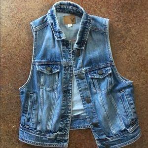 American eagle blue jean vest